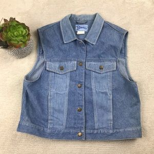 🌺 Buckles Vintage Denim Jean Vest - Light Wash